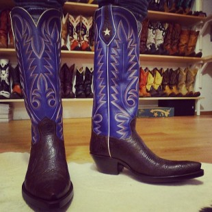 these cowboy boots have eyes