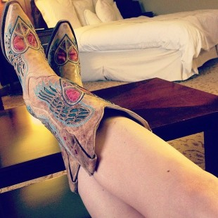 hot cowgirl boots