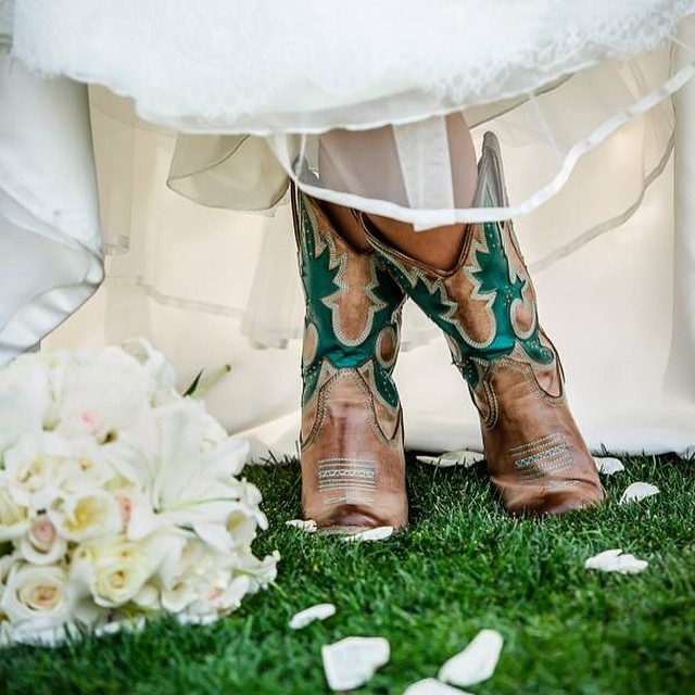 cowboy boots wedding - Cowboy Boot Wedding Decorations