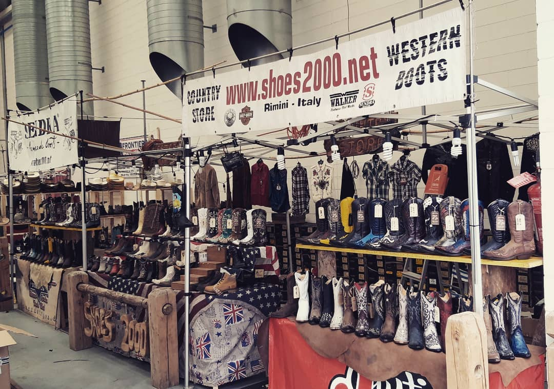vintage cowboy boot stand
